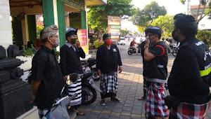 Banjar Sari Kelurahan Ubung Laksanakan Sidak Masker Saat Keluar Rumah
