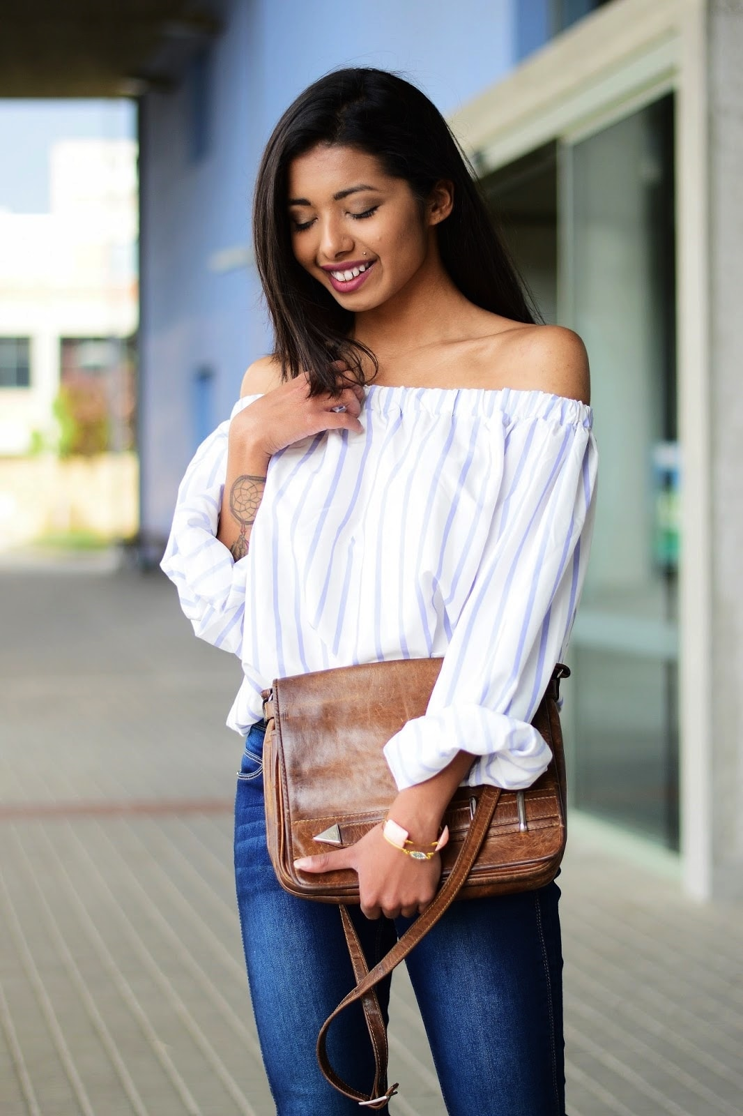 off-shoulder blouse outfit idea