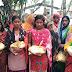 समाजसेवी ने बाढ़ ग्रस्त लोगों में बांटे राहत सामग्री