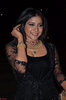 Sakshi Agarwal looks stunning in all black gown at 64th Jio Filmfare Awards South ~  Exclusive 036.JPG