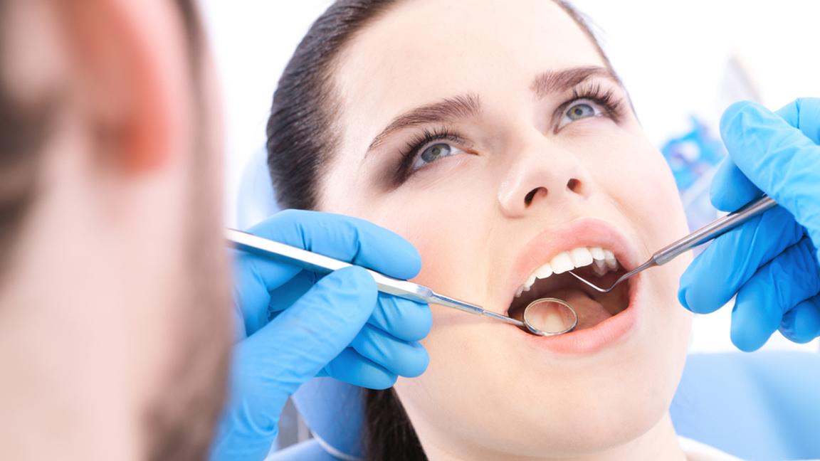 """وقاية طباء الاسنان من فيروس """"كورونا"""" المُستجد (كوفيد-19)"""