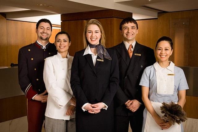 Đồng phục giúp quảng bá hình ảnh khách sạn
