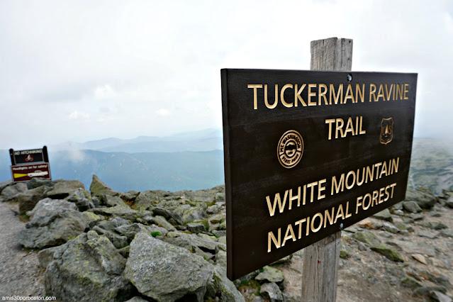 Carteles de Senderos en la Cima de Mount Washington
