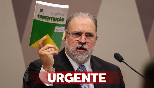 URGENTE: PGR Augusto Aras arquiva pedido de afastamento de Bolsonaro