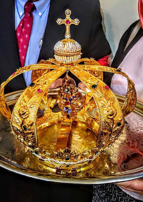 Uma das coroas da imagem