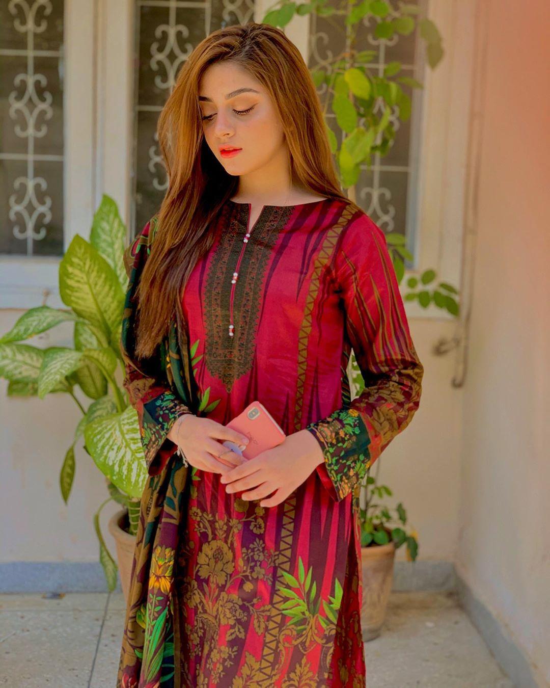Alizeh Shah Beautiful Pics