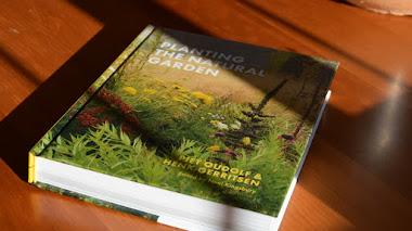 Planting the Natural Garden o cómo manejarse en el diseño de plantación de jardines naturalistas
