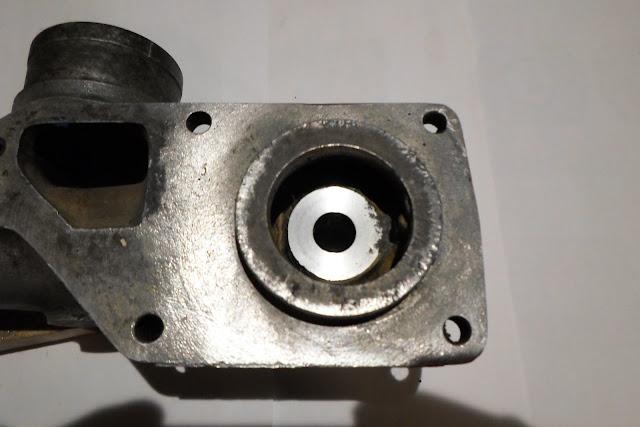 Pompe à eau rectifié Peugeot 203