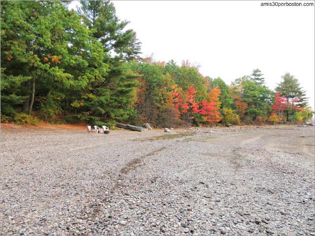 Colores Otoñales en Lakeside Cedar Cabins en Maine