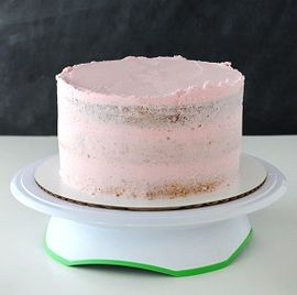 IMG4-A CAKE DECORATING TUTORIAL FOR A STUNNING RESULTS!
