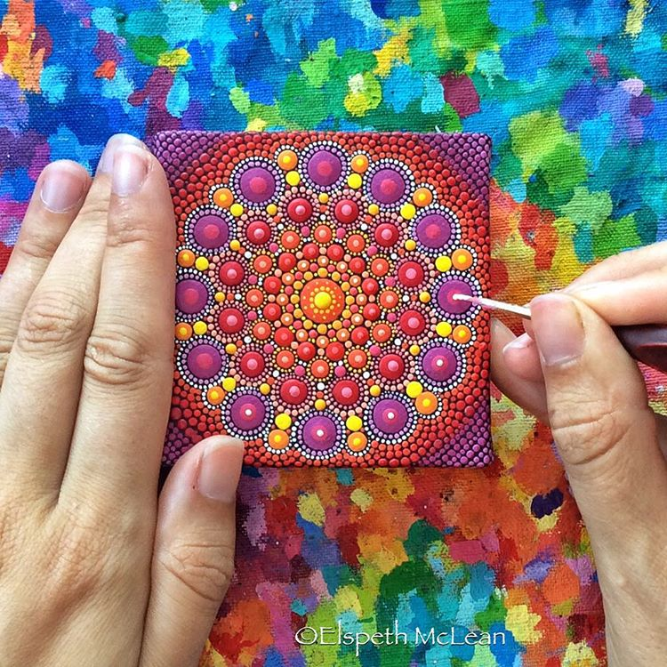 09-Flowers-from-the-Market-Elspeth-McLean-Dotillism-Paintings-Mandala-on-Stones-Canvas-and-Clothes-www-designstack-co