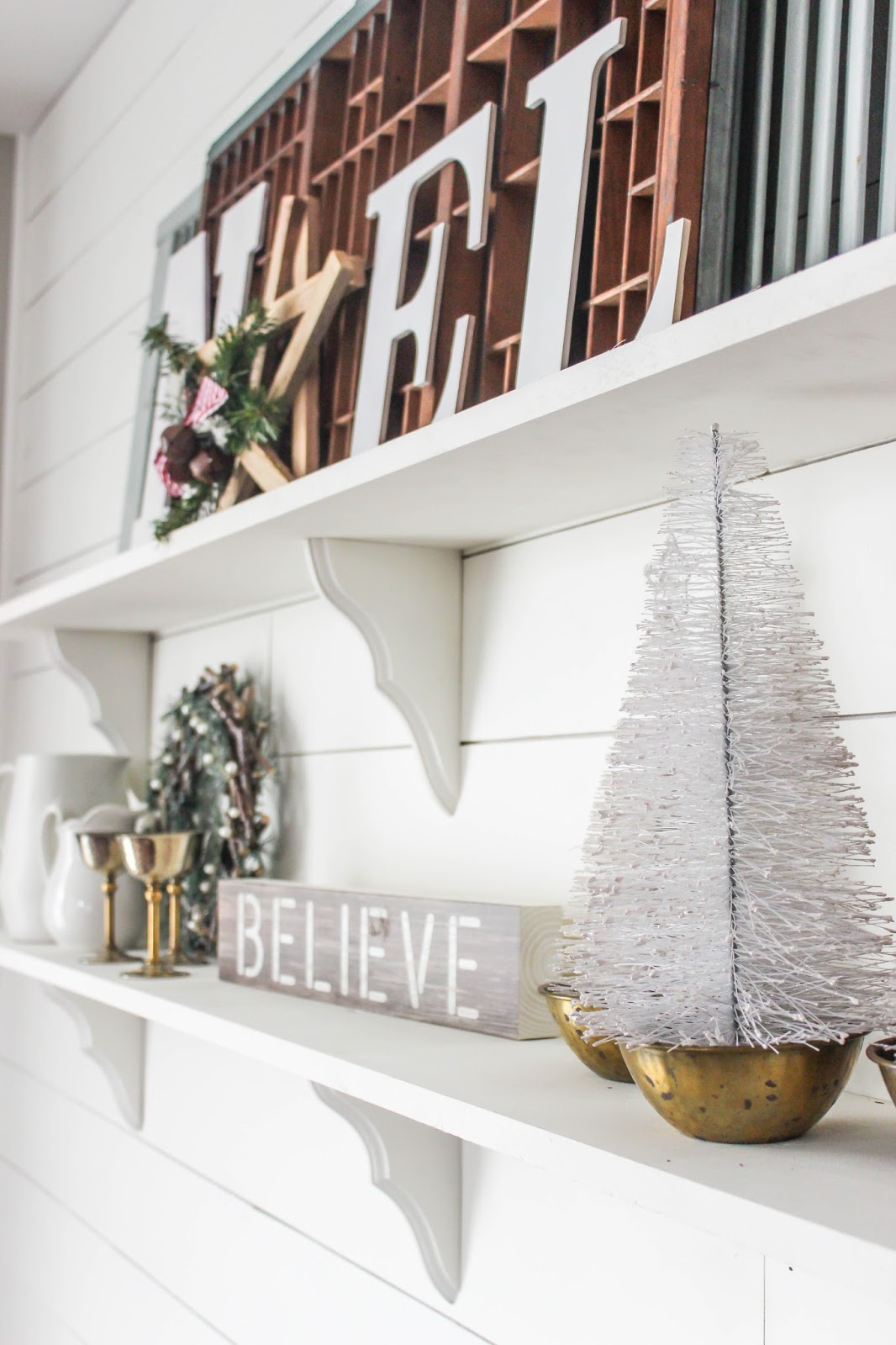 ideas for decorating a shelf for christmas