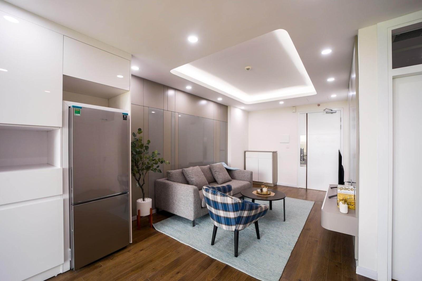 Phòng khách căn hộ AQH Riverside với tông màu hiện đại.