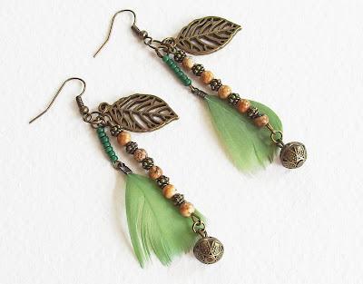 https://www.alittlemarket.com/boucles-d-oreille/fr_boucles_d_oreilles_ethniques_esprit_nature_plumes_veritables_perles_feuille_metal_bronze_-18161087.html