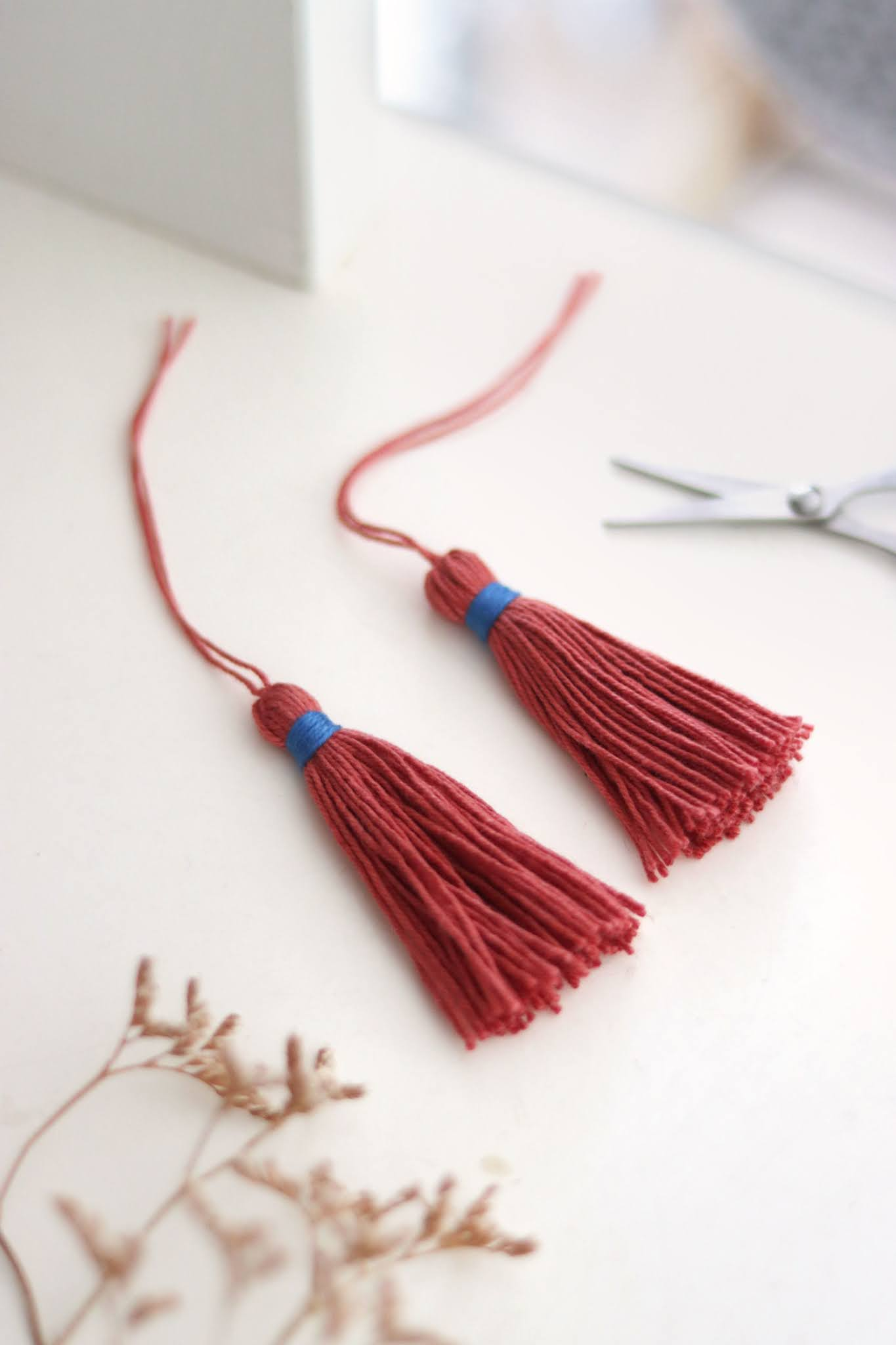 How to Tie Tassels with a Hidden Knot - Curly Made