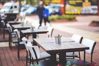 Entire-European-city-is-turned-into-open-air-café