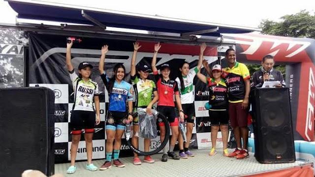Danna Martínez se destaca en la Copa Colombia de ciclomontañismo
