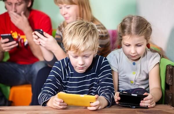 3 تطبيقات خطيرة على الأطفال
