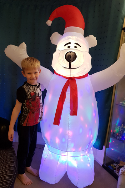 Great Fun With Maplin S Christmas Inflatable Polar Bear Lifestyle Diy Blogger With A Geeky Craft Interior