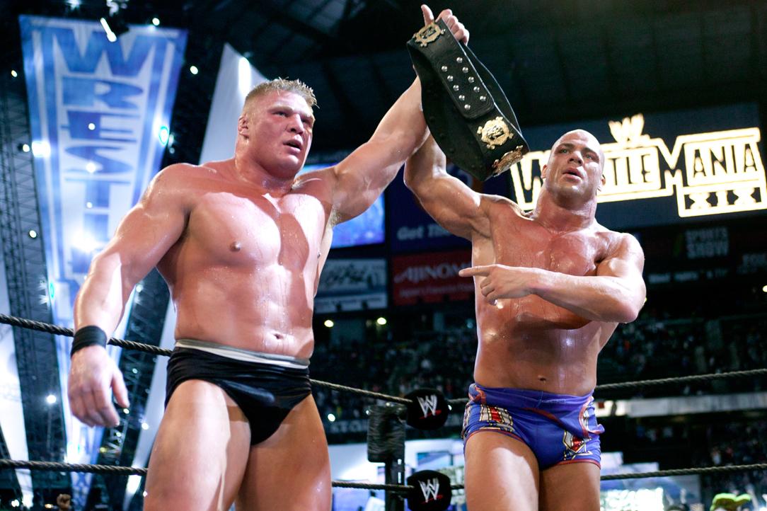 Kurt Angle supostamente foi o responsável pela saída de Brock Lesnar da WWE em 2004