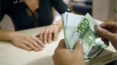 Ο κορωνοϊός εκτίναξε τις καταθέσεις στις τράπεζες