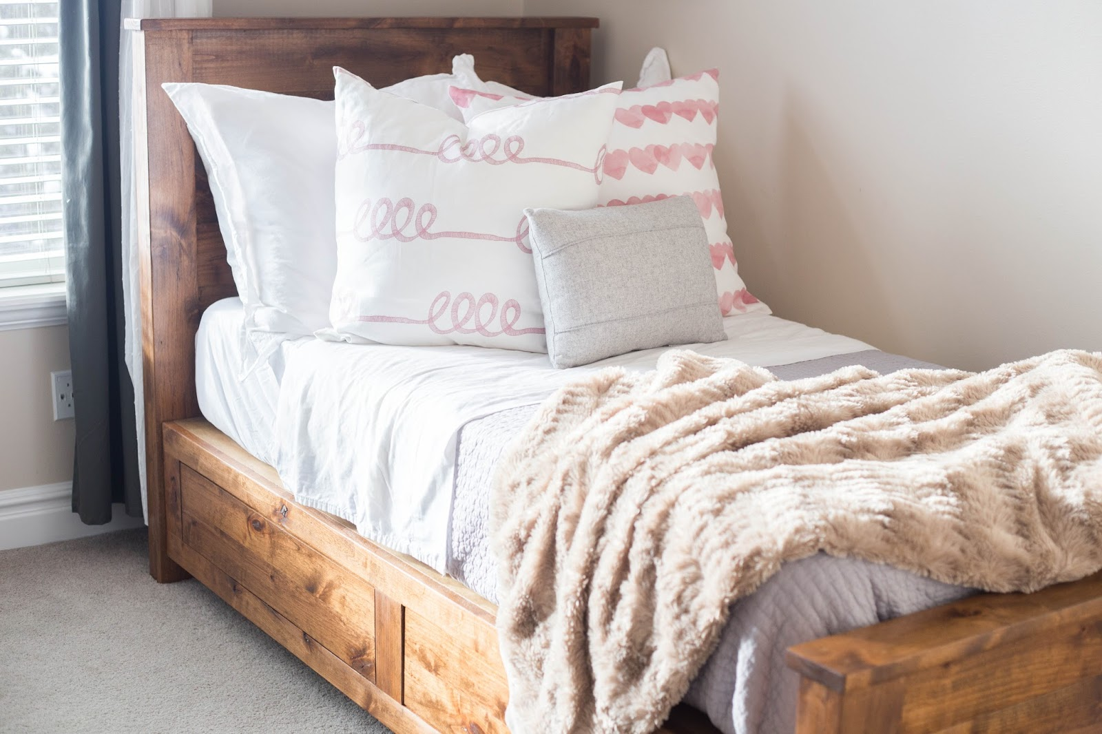 Do It Yourself Divas Diy Twin Storage Bedframe