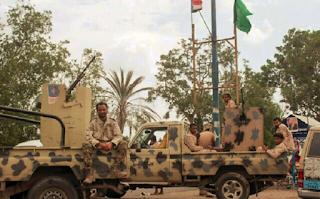 Presiden Yaman Ingatkan Militer untuk Waspada terhadap Houthi yang Membom Masjid