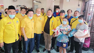 Sambut Imlek, Partai Golkar Sumut dan Komunitas SATU HATI Bagi Paket Sembako