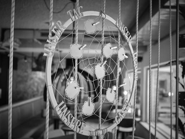 Hochzeitsdinner, Hochzeitspapeterie, Berghochzeit in Tirol, Mountain wedding, Pure Resort Pitztal, Fotograf Marc Gilsdorf Alpenwedding, Hochzeitsplaneragentur 4 weddings & events, Uschi Glas, Styled Shooting, Destination Wedding Austria, Braut und Bräutigam Shooting, heiraten in den Bergen
