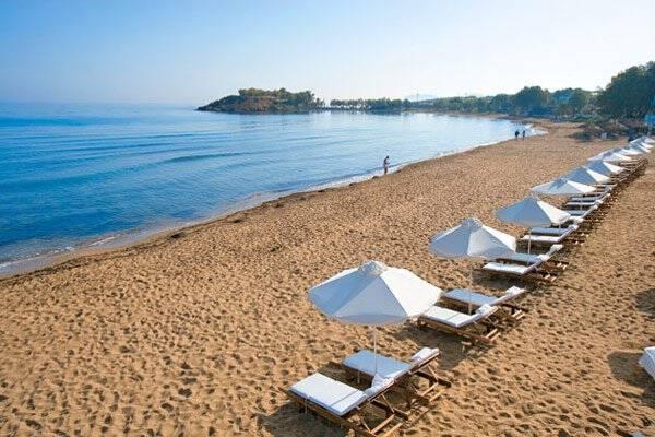 Τι ισχύει για τις ξαπλώστρες στις παραλίες