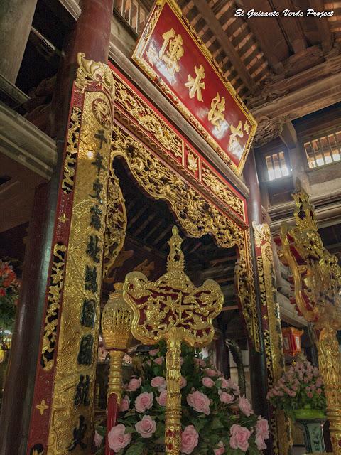 Templo Đền Lý Bát Đế, interior - Vietnam por El Guisante Verde Project