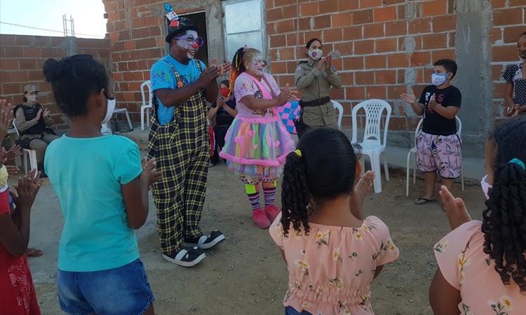 ORMP de Jequié contempla crianças carentes com Cantinho Literário