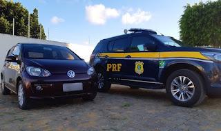 Mulher é presa pela PRF na BA ao ser flagrada conduzindo veículo roubado em SP