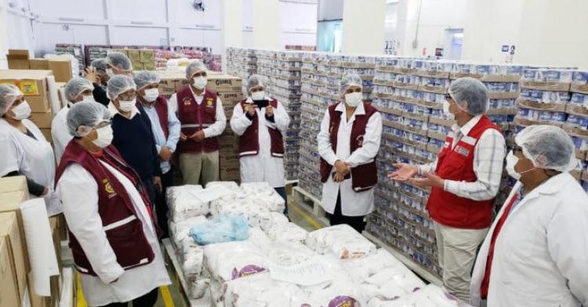 Vigilantes sociales verifican calidad de alimentos en almacén de proveedor de Qali Warma en Lima Provincias - www.qaliwarma.gob.pe