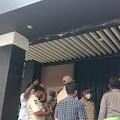 Tiga Tempat Hiburan Malam di Cikarang Selatan Disegel Petugas
