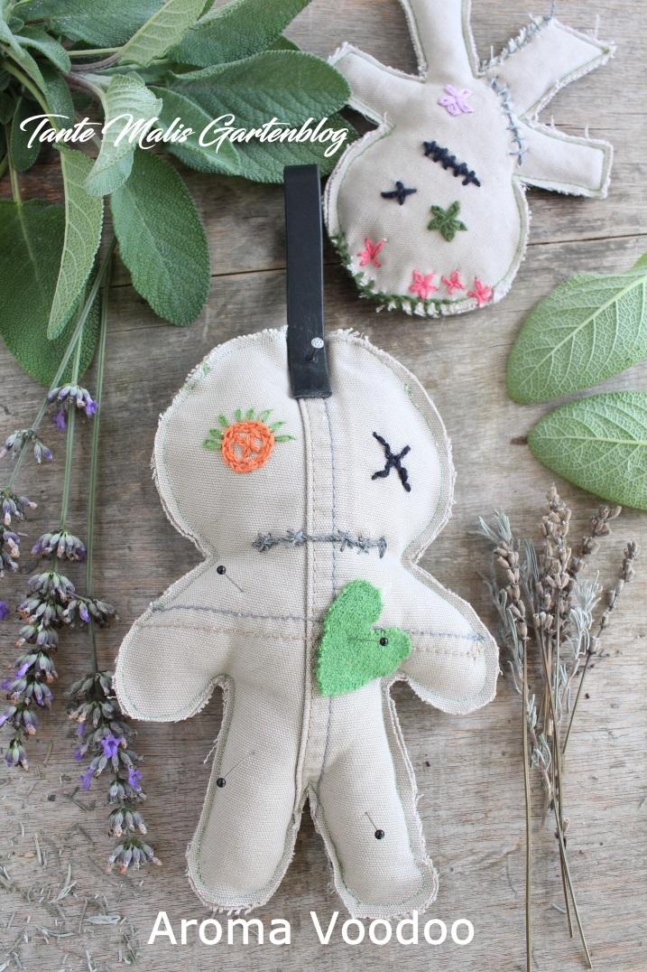 Voodoo Puppe mit Kräutern