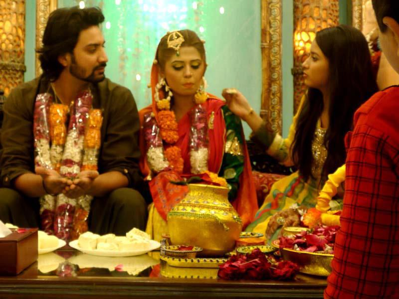 Mehndi Ceremony Sms : Mehwish siddiqui mehndi pictures hindi sms good morning