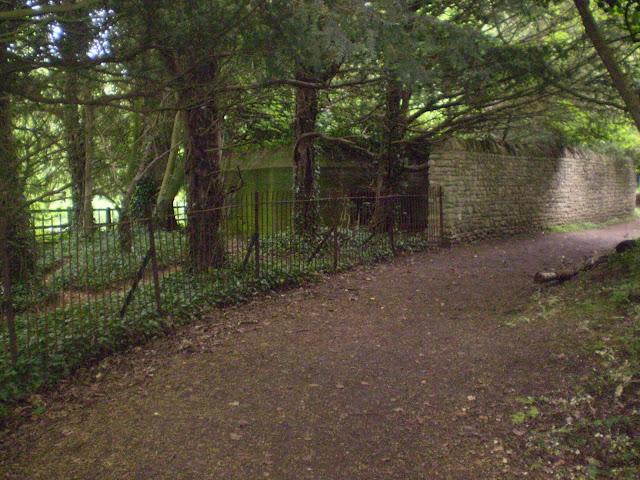 Andersen shelter near a path