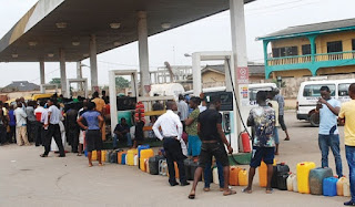 News: Nigerian government to pay N40.70 per litre of fuel to keep price at N145