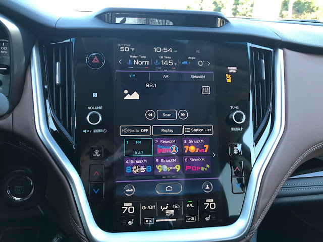 Infotainment and HVAC in 2020 Subaru Outback Touring XT