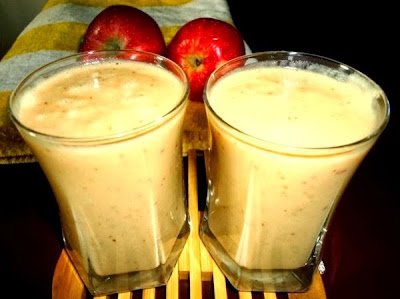 Apple milkshake in serving glasses