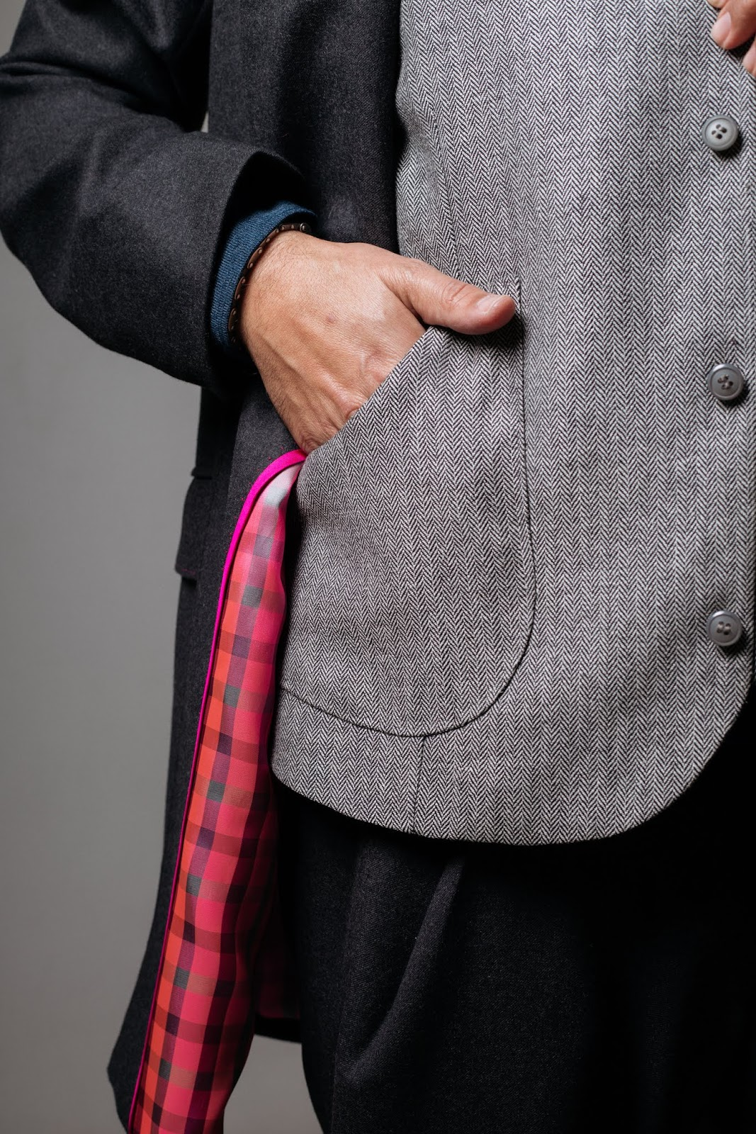 Detalle de chaqueta de Ignacio Lechuga para Desafío Strobel Linings