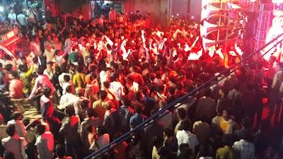 बप्पा की विदाई में आंखें हुई नम, विशाल चल समारोह निकालकर किया विसर्जन आतिशबाजी चलाने की रही होड