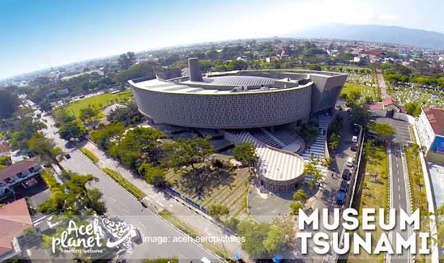museum tsunami acehplanet by batatx d78gzmn - 7 Alasan Kamu Harus Berkunjung ke Aceh Setidaknya Sekali Seumur Hidup