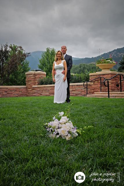 formal wedding photograph of the bride and groom in boulder colorado