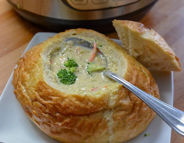 Copycat Panera Bread Broccoli and Cheddar Soup