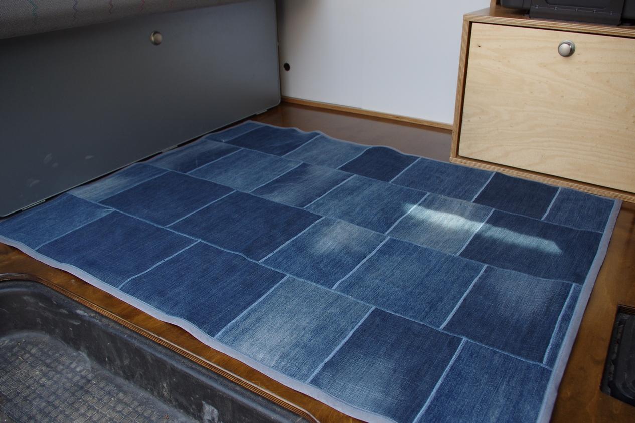 teppich selber flechten teppich zeichnen. Black Bedroom Furniture Sets. Home Design Ideas