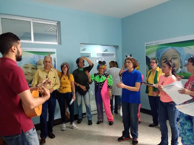 Personal del J.M. de los Ríos ofrece recital a niños hospitalizados