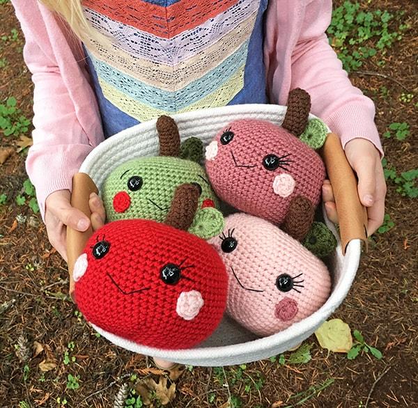 Free Crochet Apple Pattern