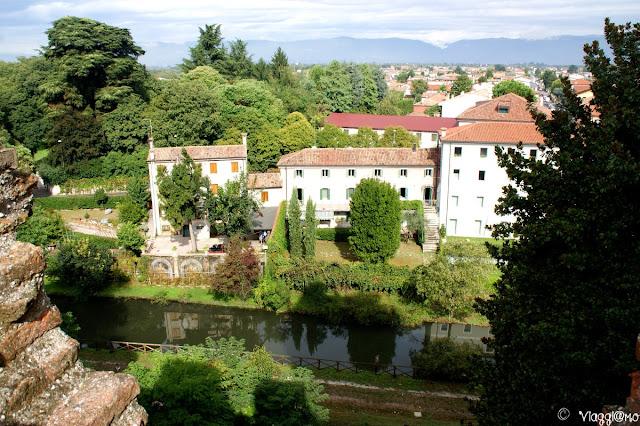 Vista panoramica del fossato che circonda Cittadella